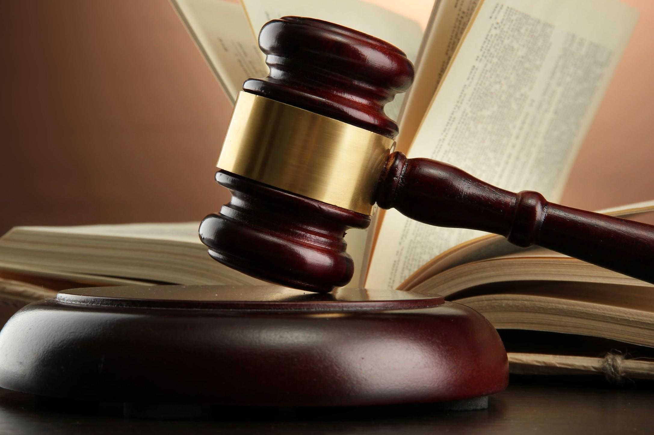 Bírósági szerződésmódosítás – Milyen esetben módosíthat szerződést a bíróság?