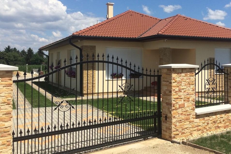 Családi házad van? Pályázat nélkül osztják korszerűsítésre az ingyenpénzt