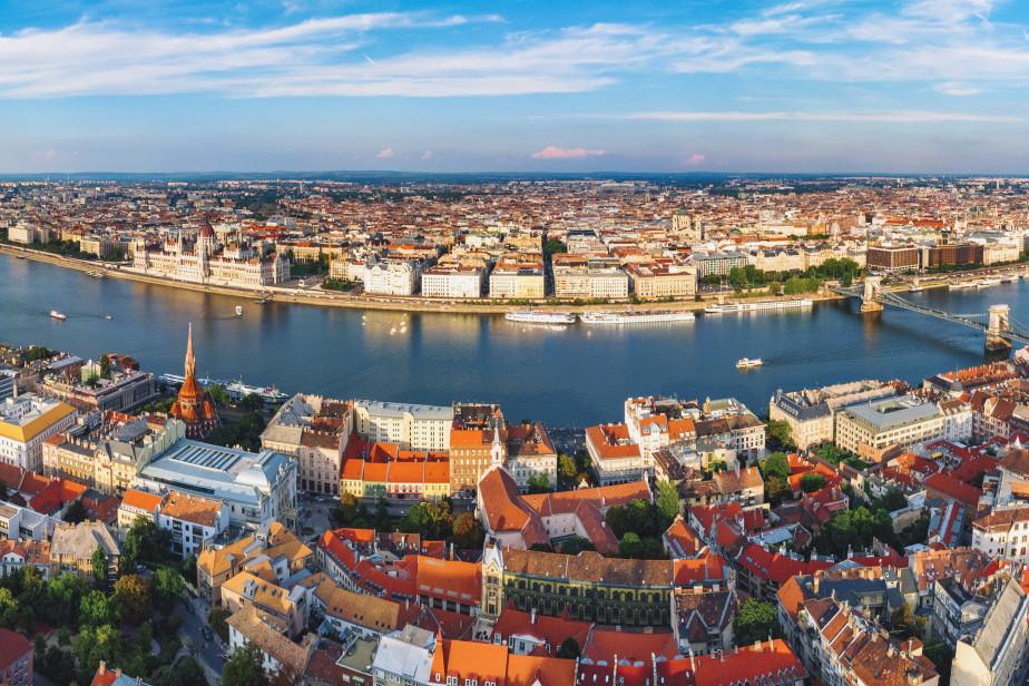 Tömegével vásárolják a budapesti lakásokat a kínaiak és vietnámiak - Így alakult a külföldi lakásvásárlók száma