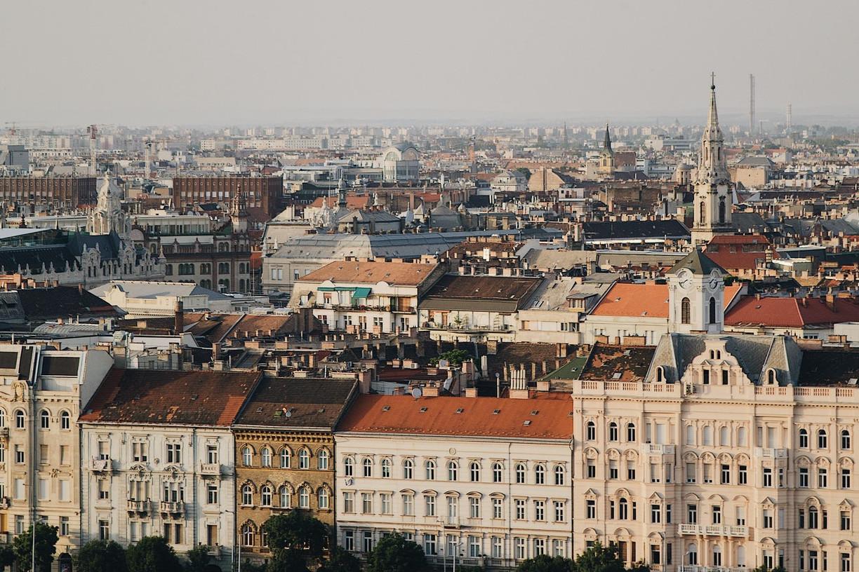 Agglomeráció vagy nagyváros? Szempontok vidékre költözés előtt állóknak